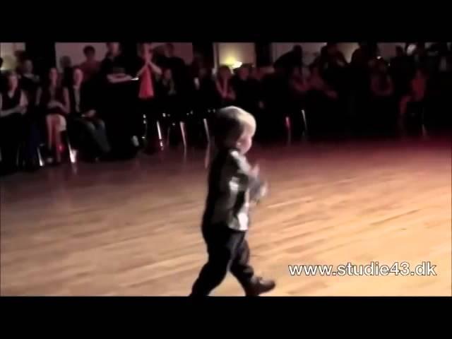 激カワ 赤ちゃん ダンス