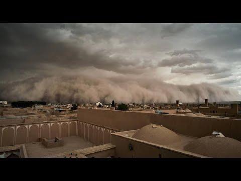 Iran: Wie im Horrorfilm - heftiger Sandsturm mit me ...