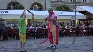 Video Pepe The Clown - VERY FUNNY clown on street (Poland 2014), 4k MP3, 3GP, MP4, WEBM, AVI, FLV Agustus 2019