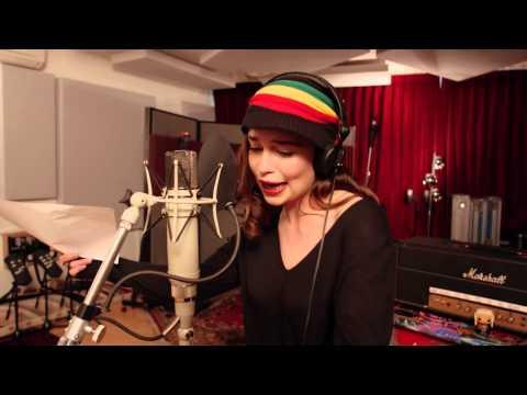 Rastafarian Targaryen - Emilia Clarke
