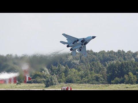 Πούτιν: «Ενισχύουμε τη στρατιωτική βιομηχανία»