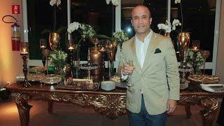 Dono de um carisma que o tornou já parte do patrimônio de nossa cidade, Bruno Ribeiro tem na sua profissão sua paixão, e no...