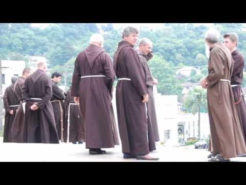 Imagens da Assembleia dos Capuchinhos em Garibaldi 2004