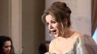 Video Renée Fleming: Casta Diva (Bellini) MP3, 3GP, MP4, WEBM, AVI, FLV Juli 2018