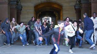 Apokalipsa Zombie w centrum miasta, ludzie posrani!