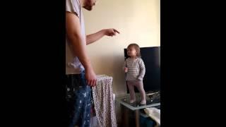 Tatarozpoczyna kłótnie z mała córką! Teraz zobacz jej reakcje która sprawiła, że tata się poddał!
