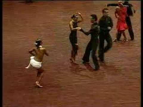 Румба это танец отношений мужчины и женщины, а порой и мужчины..