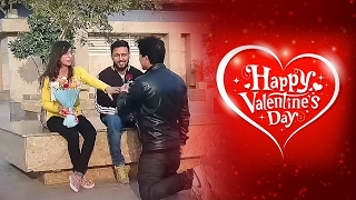 Video boy Proposing girls by singing prank 2017/valentine special prank MP3, 3GP, MP4, WEBM, AVI, FLV Juli 2018