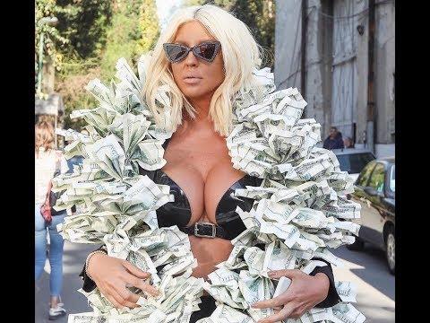 Karleuša okićena dolarima