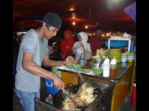 Night market in Kota Kinabalu (Sabah - Borneo)