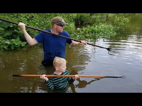 Forging Fishing Spears + Hunting Snakeheads in Swamp - Forging Fishing Catch & Cook Challenge