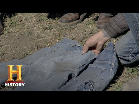 American Pickers: The Value Of Very Old Jeans (Season 17, Episode 1) | History