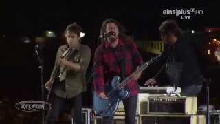 Foo Fighters - LET THERE BE ROCK (AC/DC Cover) RaR2015 HD Best Quality on YouTube!