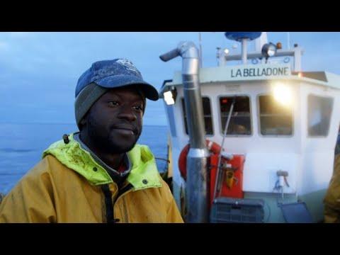 العرب اليوم - شاهد: صيادون سنغال يروون تفاصيل رحلتهم إلى فرنسا للعمل