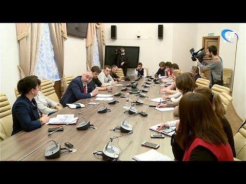 О реструктуризации областной власти журналистам рассказал первый вице-губернатор Сергей Сорокин