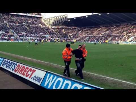 The most passionate man in a newcastle black and white top on the pitch today at st James park..