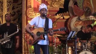 Video Glenn Fredly & The Bakuucakar - Terpesona @ Sanur Village Festival 2016 [HD] MP3, 3GP, MP4, WEBM, AVI, FLV Agustus 2018
