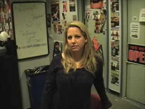 Lisa Landry pre interview at Comical Radio 05-23-08