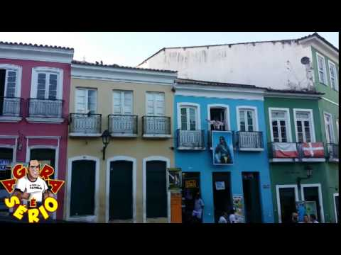 Repórter Favela role no Pelourinho