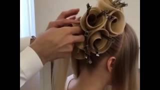 прически с розами в волосах видео
