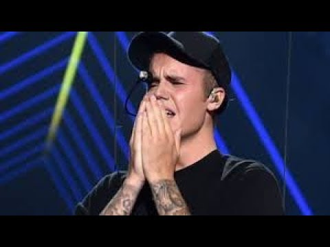 Justin Bieber Seen Crying After Selena Gomez Hospitalization: