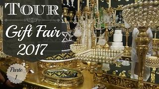 Neste vídeo eu compartilho com vocês a primeira parte do Tour pela Gift Fair, uma feira voltada para decoração, artesanato e design. Nesta feira podemos conhecer as novidades, lançamentos e tendências para 2017! Me siga no Instagram:@carolpafiadache e @carol.decora
