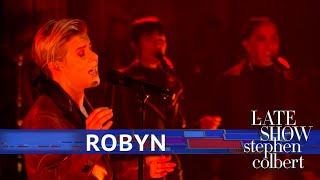 Robyn Performs 'Ever Again'