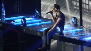 Download Lagu One Direction performing Little Things in San Jose, CA 7/30/13 [HD] Mp3