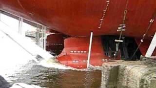 Video Спуск танкера  Михаил Ульянов MP3, 3GP, MP4, WEBM, AVI, FLV Agustus 2018