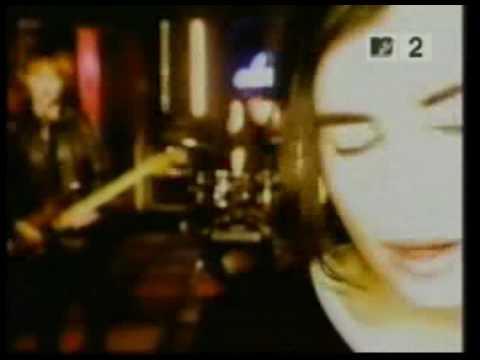 Gwen Stefani vs Elastica vs M.I.A. vs Sm