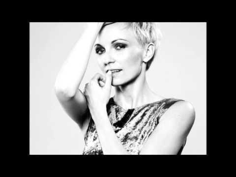 Anna Wyszkoni - Raz dwa, raz dwa lyrics