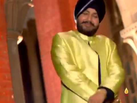 """[VIDEO] This """"flick of the wrist"""" parody feat. Daler Mehndi is damn Funny xD Must Watch"""