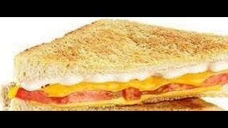 HOW TO PREPARE EGG, CHEESE AND TOMATO TOASTED SANDWICHES