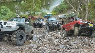 Download Video 4x4 Challenge (40inch Tires vs The Rest) @ Unimog Hill MP3 3GP MP4