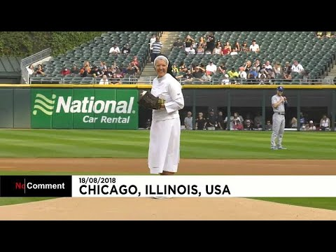 Καλόγρια παίζει μπέηζμπολ!