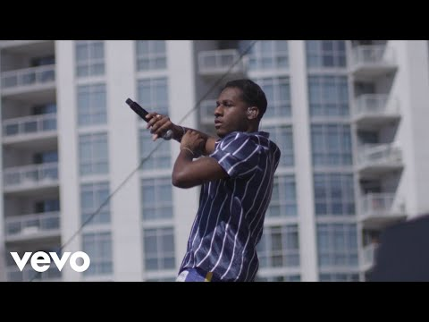 """Leon Bridges """"Beyond"""" (Live from Honda Stage at the 2018 iHeartRadio Music Festival)"""