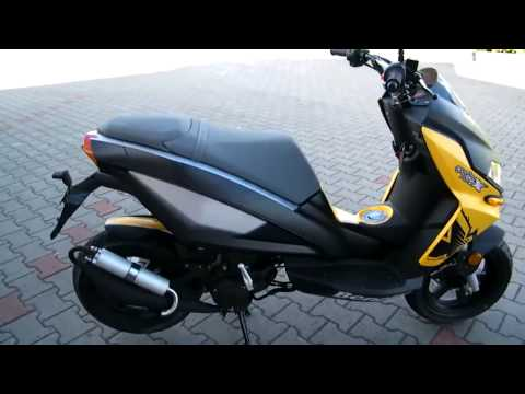 Benelli X 49 Roller/Scooter gelb/schwarz