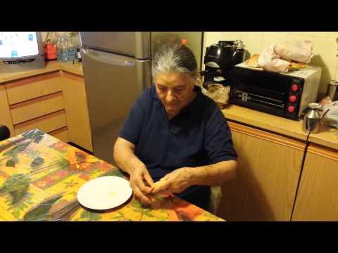 un'anziana pugliese recita un rito contro il malocchio!