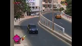 Video En plein direct, le cortège présidentielle passe et Abba crie.... MP3, 3GP, MP4, WEBM, AVI, FLV Agustus 2017