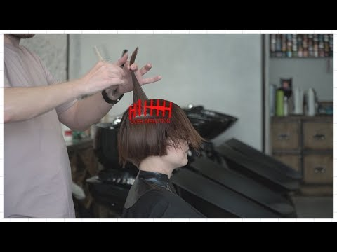 Short haircuts - how to cut short women's haircut with disconnection, layers, graduation mix