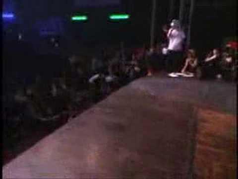 0 Terrible caída grabada en video bailando Breakdance