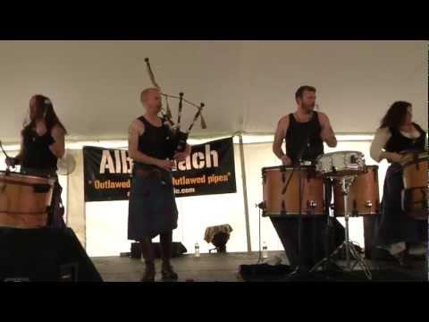Albannach Rocks the House!