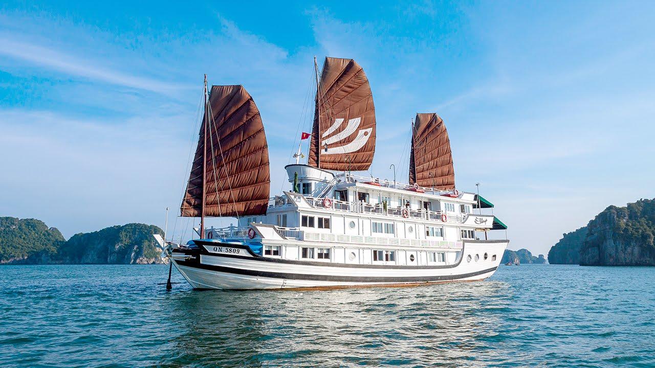 Halong Bay Cruise: Overnight Cruise Tour | Bhaya Classic