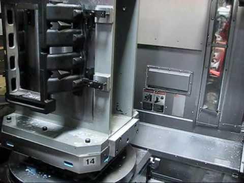 Makino Model A-88 4 Axis CNC Horizontal Machining Center (видео)