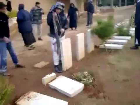 Video: Video: Cemetery of British War Dead Destroyed by Muslim Mob