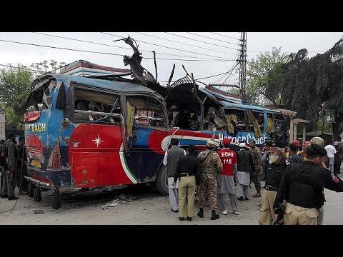 Πακιστάν: Πολύνεκρη έκρηξη βόμβας σε λεωφορείο