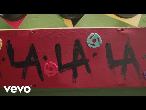 L.A.LOVE (la la) (Lyric Video)