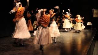 Coros y danzas Amigos de Navalcarnero en Torrejón de Ardoz
