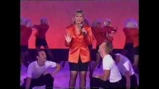 Video Kerri-Anne Kennerley sings STILL THE ONE! MP3, 3GP, MP4, WEBM, AVI, FLV Oktober 2018
