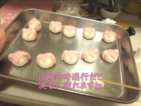 Japanese amateur video: Making a Sakura Hatsune Miku out of clay... (видео)